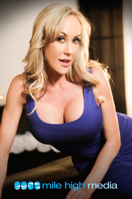 MILF porn star Brandi Love showing huge tits