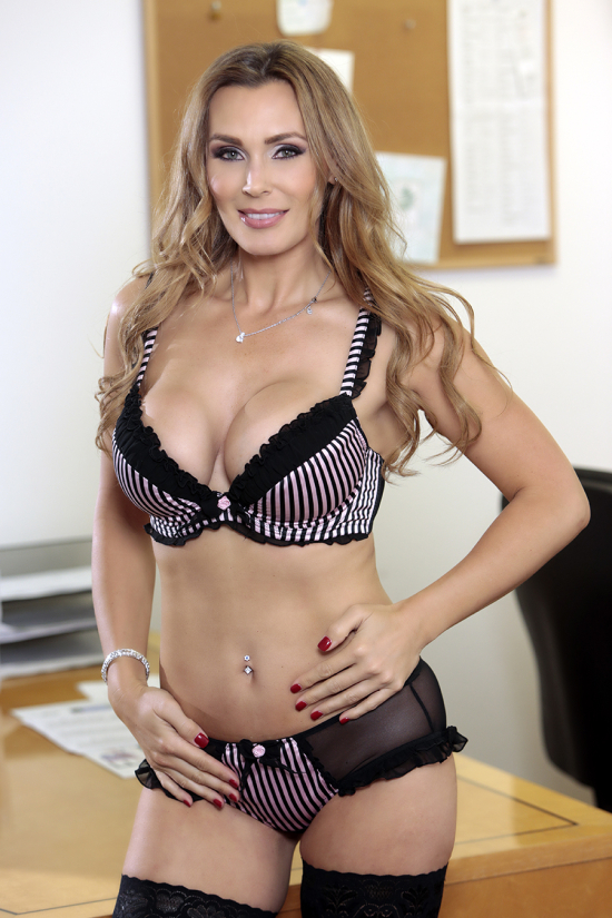 British porn star MILF Tanya Tate looks sexy in lingerie